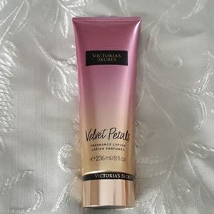 Victoria's secret velvet petals lotion